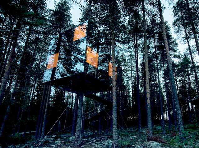 13-tree-hotel